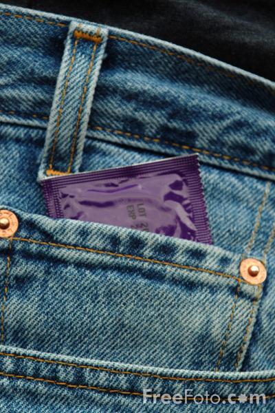 11_55_51---Condom_web